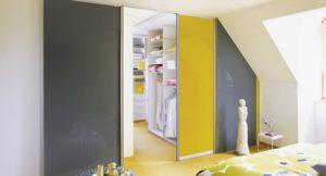 Двери в гардеробные помещения