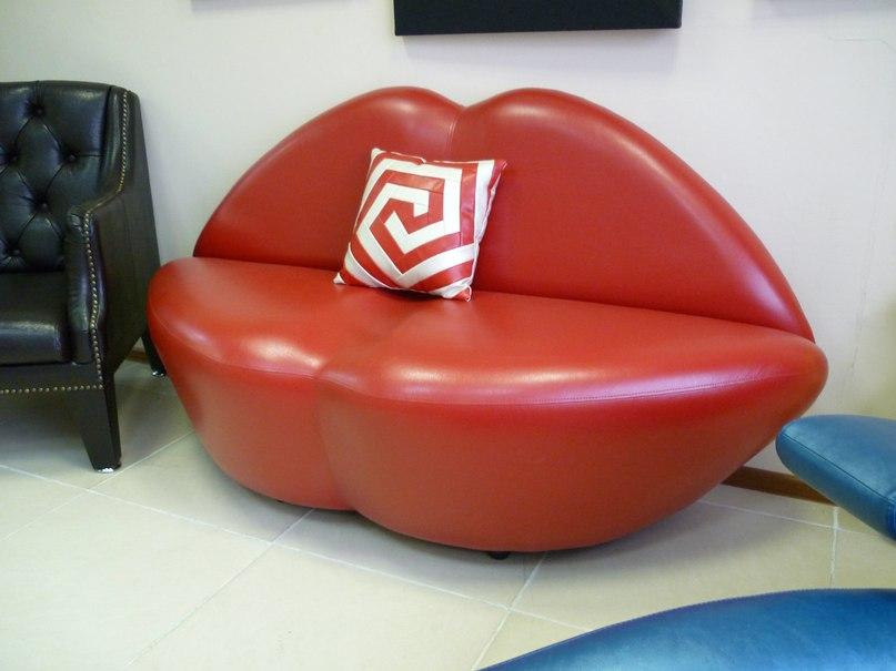 губы мебель