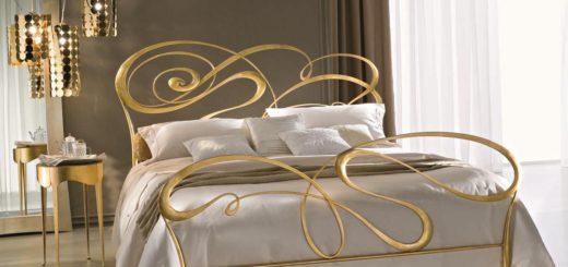 кровать Кантри в интерьере спальной