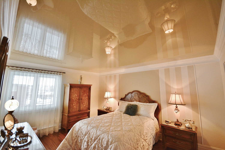 зеркальные потолки в интерьере