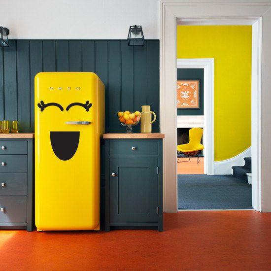 Холодильник с улыбкой