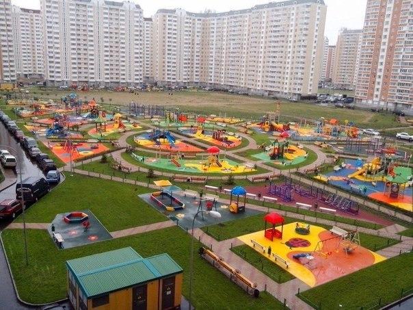 Распил строительства: детская площадка