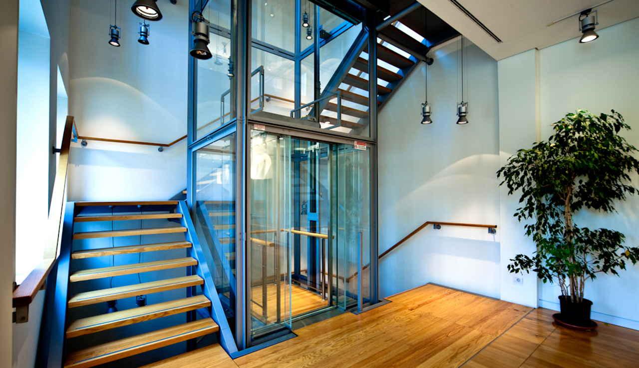 лифт в многоэтажном доме