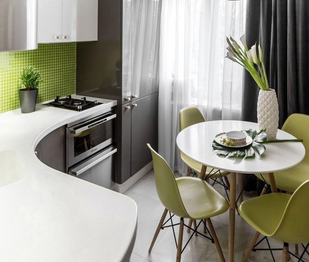 Рабочие поверхности на маленькой кухне