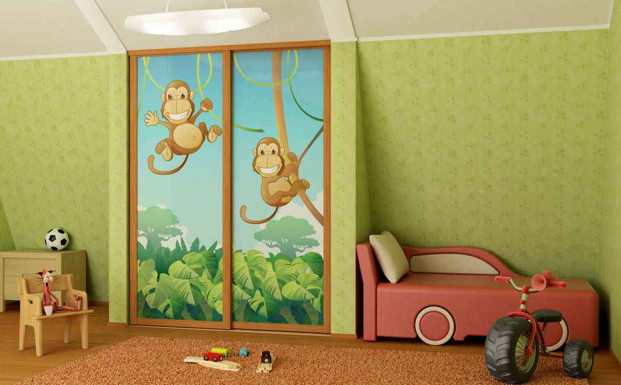 Детские двери в квартире как из сказки