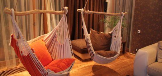 креативные подвесные кресла в интерьере