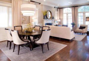 Обеденный стол в квартире