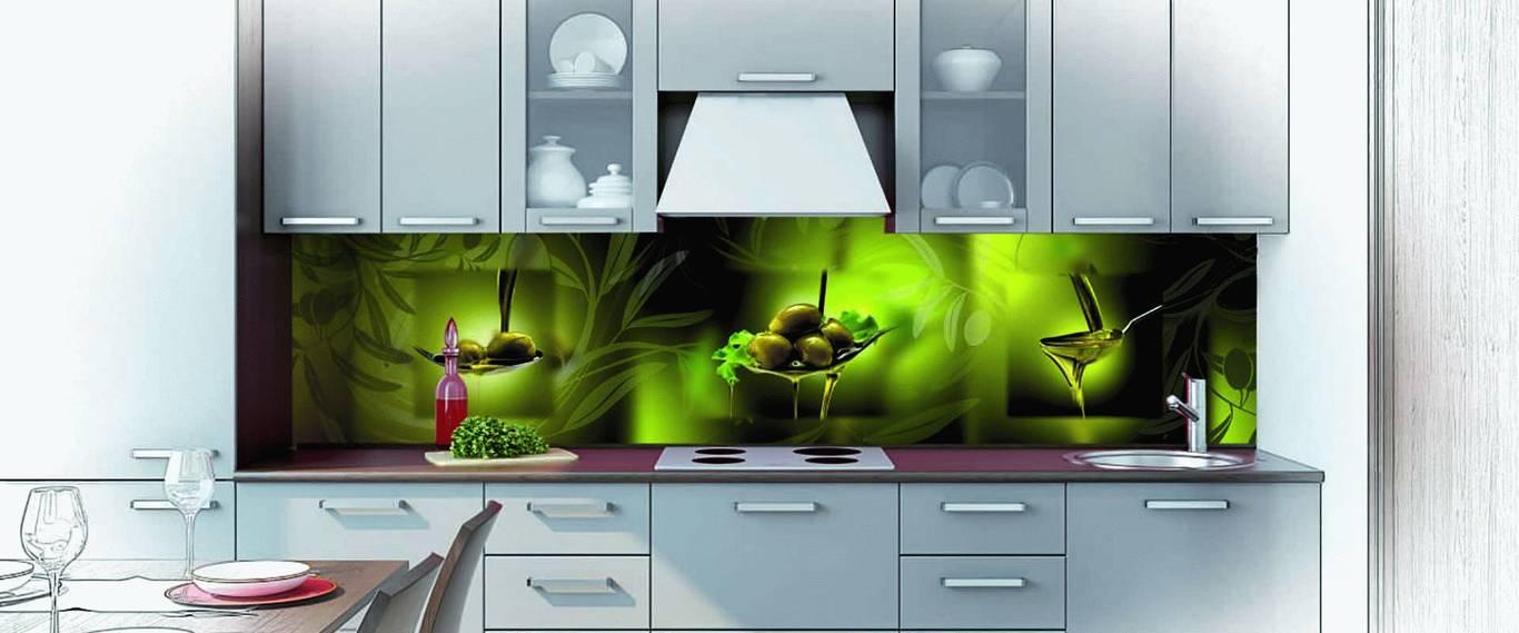 Цветные панели на кухне