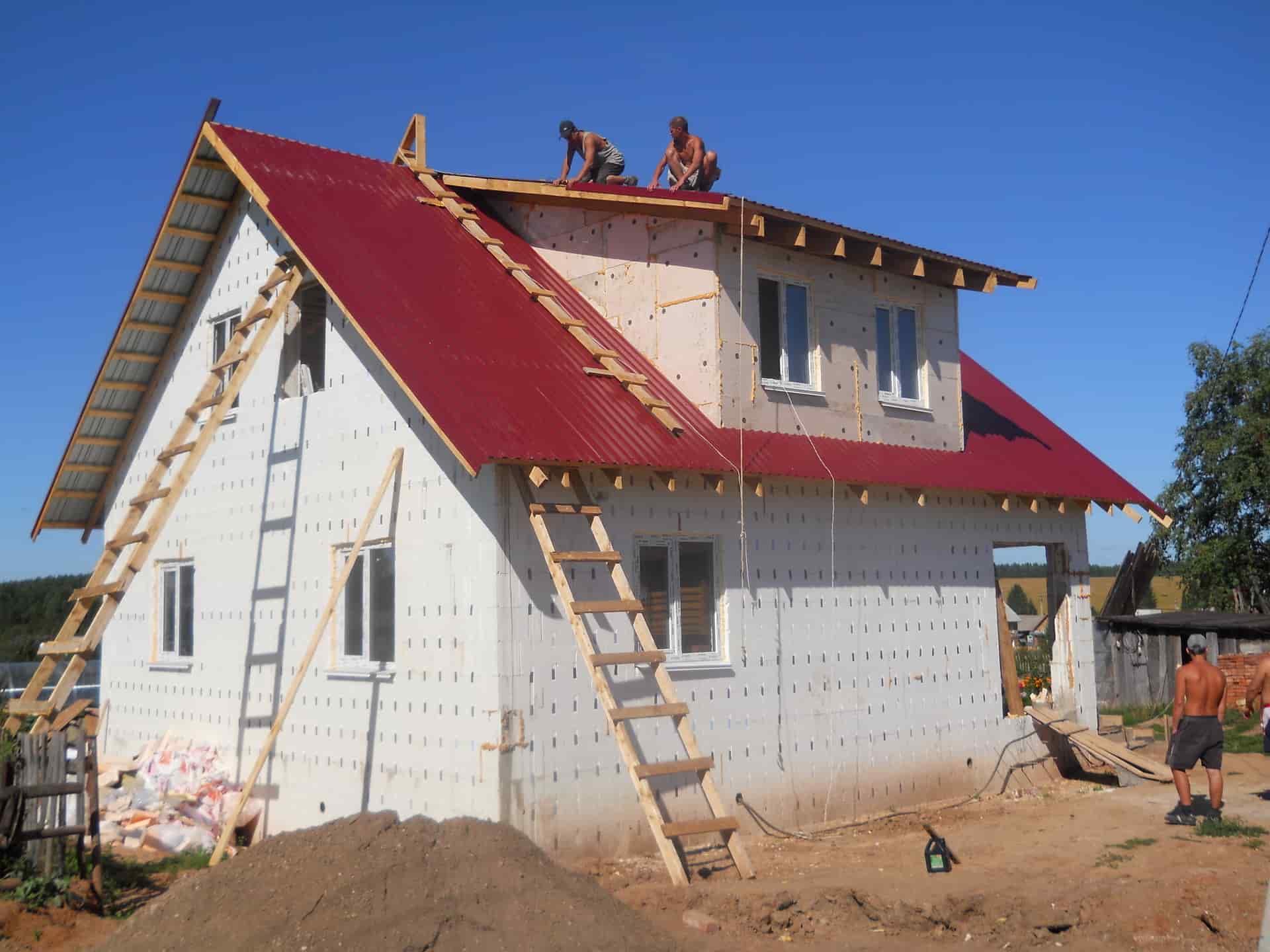 стены дома из полистирольных блоков