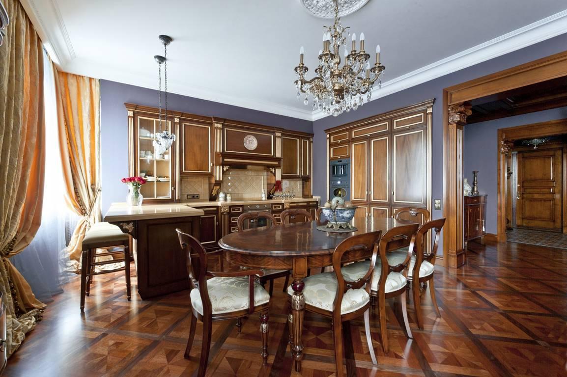 Кухня классического стиля совмещённая с гостиной
