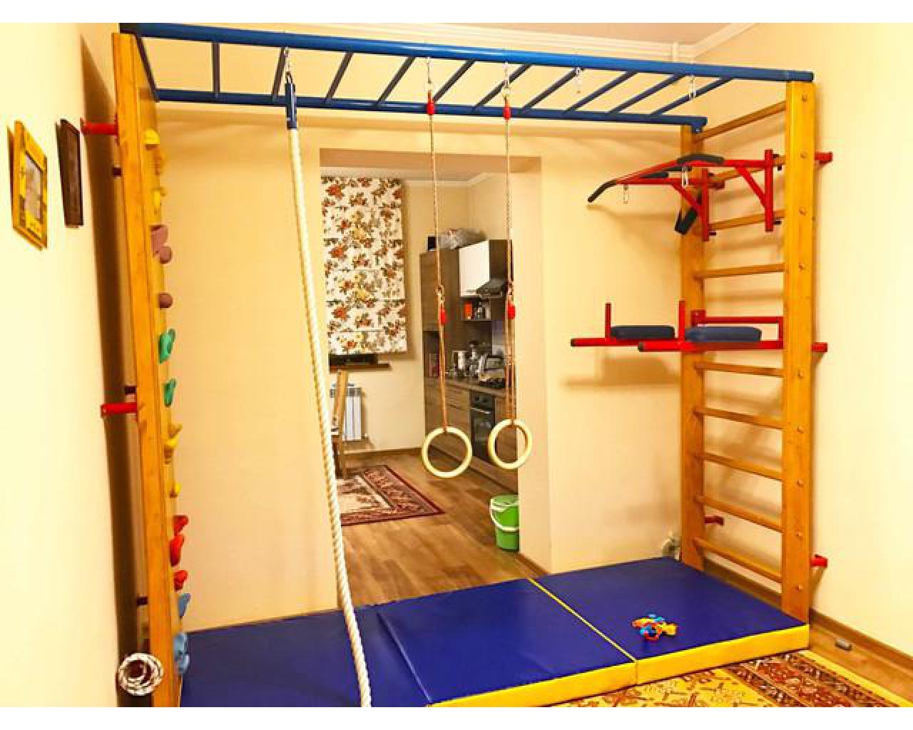 Шведская стенка в интерьере детской