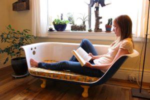 Диван для дома из старой ванны