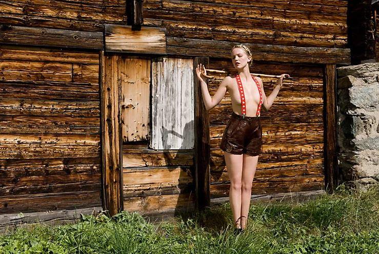 теперь гоняется домашние фото русских баб в деревне приятное ощущение